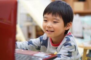 メイクコードとは?子どものプログラミング教育、はじめの一歩に最適!