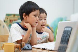 子どもがプログラミングを学習する9つのメリット〈身に付く力とは〉